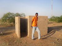 2009_latrines02
